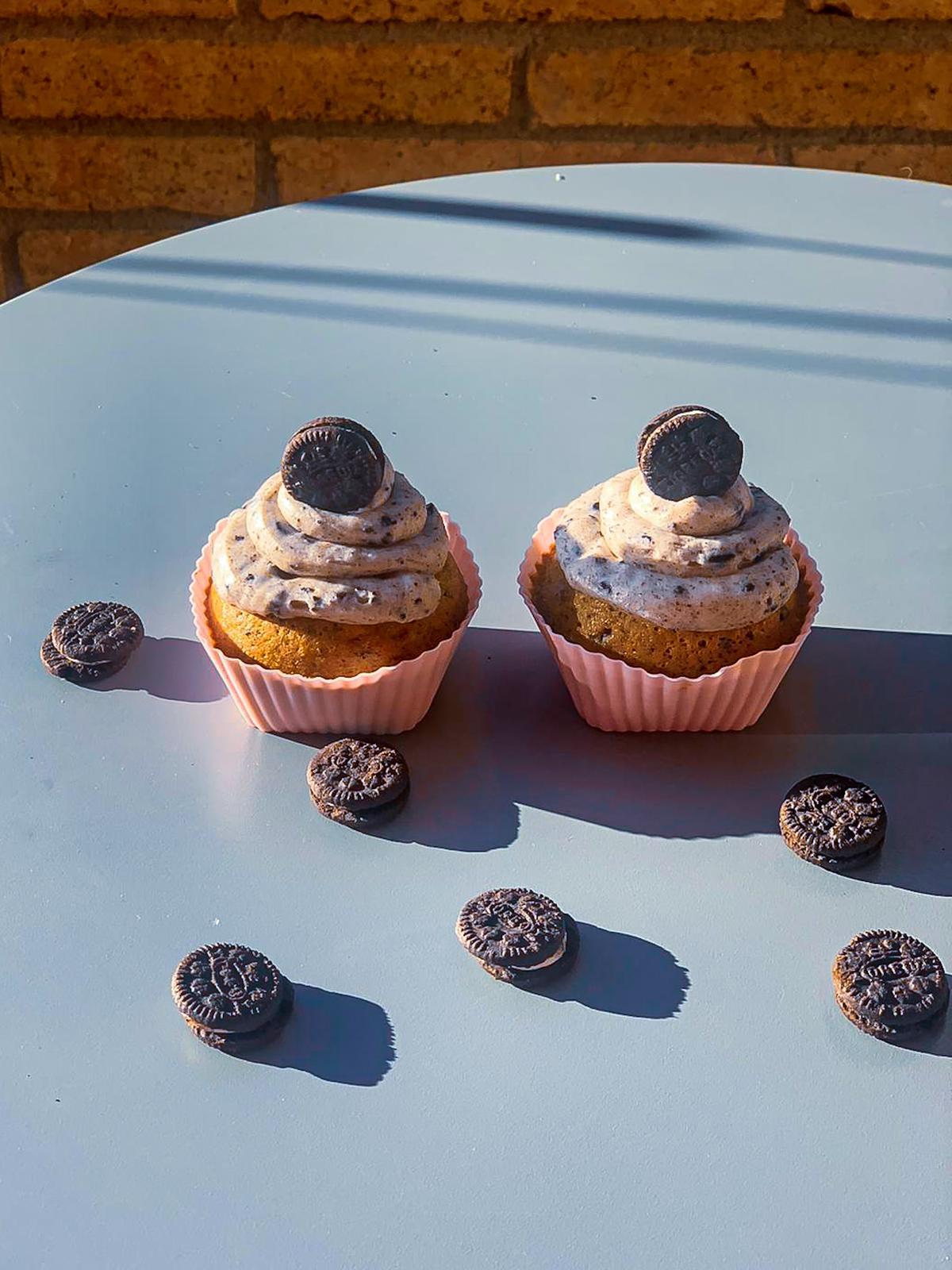 Cupcakes de oreo y vainilla by loveyourslf