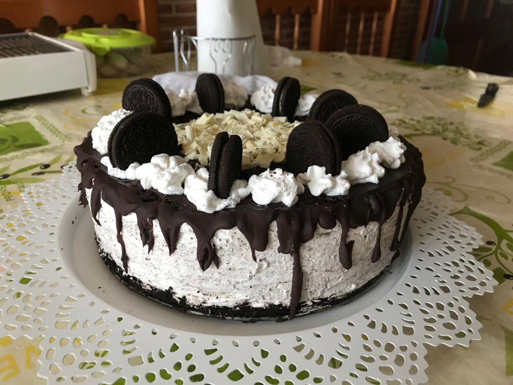 cake de oreo y chocolate